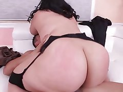 Bbw big ass riding